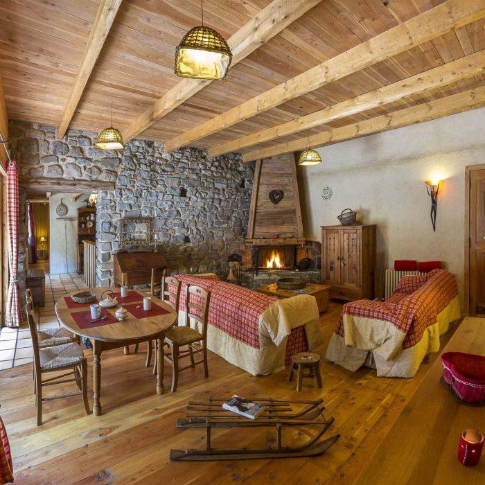 L'ambiance chaleureuse à l'image d'unchalet demontagneavec tout leconfort et une décoration soignée !